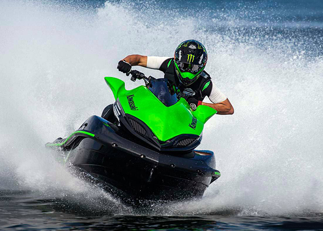jet skiing green